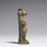 Богиня-гиппопотам (Таурт или Опет). Египетская фаянсовая статуэтка
