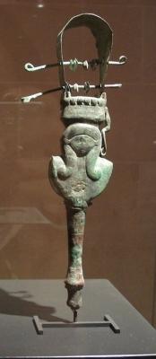 Музыкальный инструмент систр в форме богини Баты