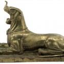 Бронзовая статуэтка мифологического существа, напоминающего яли, сфинкса или макару
