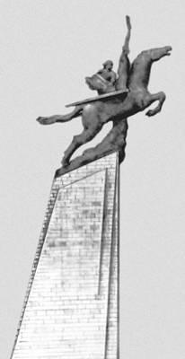 Чхоллима. Монумент в Пхеньяне