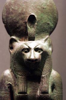 Львиноголовая богиня Баст-Уаджет. Статуэтка