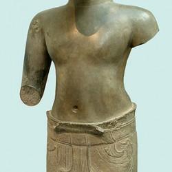 Хаягрива в ипостаси Ваджимукхи. Камбоджийская статуя из песчанника, конец X века