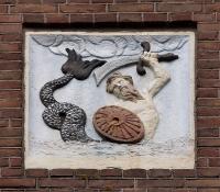 Зеериттер. Изображение на здании по адресу Entepotdok 26, Amsterdam