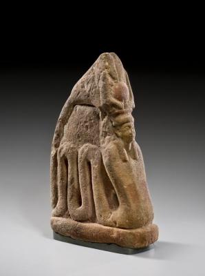 Змееобразная богиня Меритсегер. Статуэтка из песчаника, 1479-1400 годы до н.э.