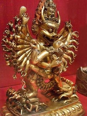 Тибесткий идам и дхармапала Ямантака. Статуэтка XVIII века