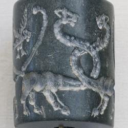 Цилиндрическая яшмовая печать из Урука, Месопотамия. Конец IV тысячелетия до н.э.