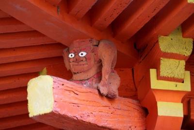 Аманодзяку, поддерживающий крышу