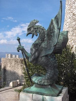 Василиск. Скульптура в городе Риека, Хорватия