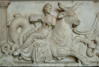 Нереида верхом на морском быке. Барельеф, конец II века до н.э.