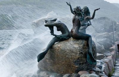 Русалки. Скульптурная композиция в Дрёбаке (Норвегия)
