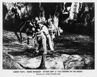 """Рекламное фото к фильму """"Женщины-кошки с Луны"""" (Cat-Women of the Moon, 1953)"""