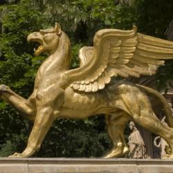 Грифон. Скульптура в Клейн Глинике (Потсдам)