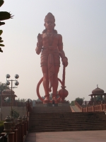 Статуя Ханумана в Нью-Дели