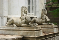 Сфинксы, оберегающие покой масонского храма в Санта-Крус-де-Тенерифе