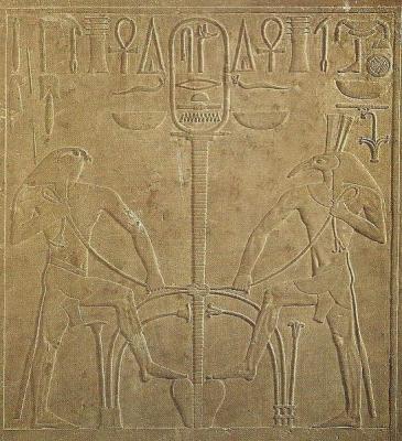 Боги Гор и Сет на троне фараона Сесостриса I