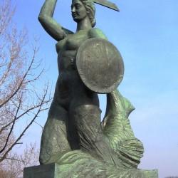 Варшавская русалка. Скульптура 1939 года