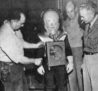 """Фото со съёмок фильма """"Пришелец с планеты Икс"""" (The Man from Planet X, 1951)"""