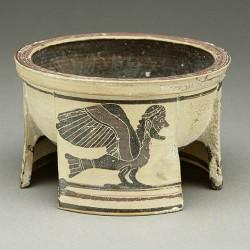 Пиксида с изображением сирены (?). Музей Гетти в Лос-Анджелесе. Греция, Коринф, 570-е годы до н.э.