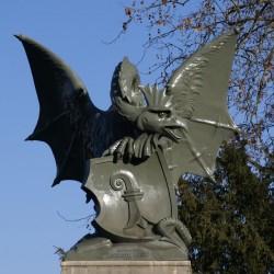Базельский василиск. Скульптура на южном входе моста Веттштайнбрюкке
