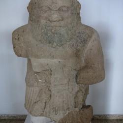 Бэс. Статуя из Аматуса в археологическом музее Лимасола (Кипр)