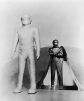 """Рекламное фото к фильму """"День, когда Земля остановилась"""" (The Day the Earth Stood Still, 1951)"""