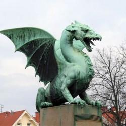 Дракон. Cкульптура в Любляне (Словения)