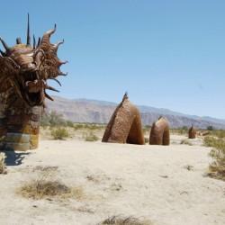 Дракон-змей. Скульптура в калифорнийском парке Анза Боррего