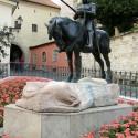 Святой Георгий над поверженным драконом. Скульптурная композиция в Загребе