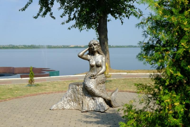 Статуя русалки в Лепеле