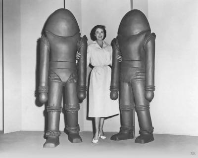 "Фото со съёмок фильма ""Земля против летающих тарелок"" (Earth vs. Flying Saucers, 1956)"
