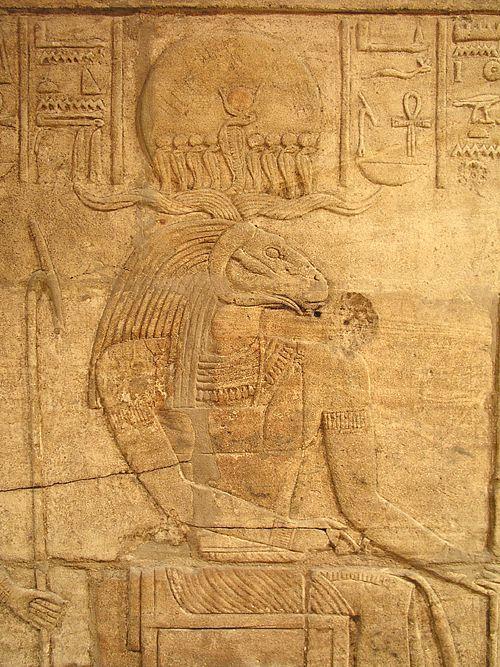 Бог Хнум с головой барана. Барельеф из храма Амона в Каве, Нубия