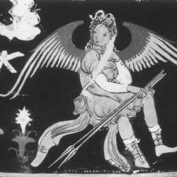 Эриния. Фрагмент краснофигурной вазы. Берлинское античное собрание (1969.3). Апулия. 350-340 года до н.э.