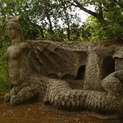 Крылатая фурия. Статуя Священного леса