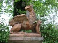 Статуя грифона у дома Сезанна в Экс-ан-Прованс