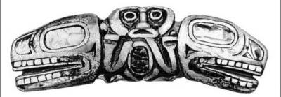 Сисиютль, морской двухголовый змей у индейцев квакиутль. Изделие из кости
