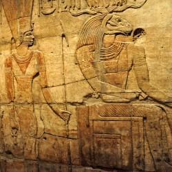 Барельеф с изображением бараноголового бога Хнума