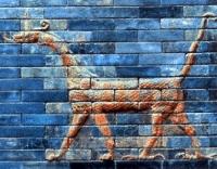 Мушуссу. Барельеф на воротах храма богини Иштар в Вавилоне
