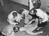 """Рекламное фото к фильму """"Призрак из космоса"""" (Phantom from Space, 1953)"""