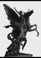 Одна из четырех статуй Пегаса и Персея, украшающих площадь перед мексиканским дворцом изящных искусств