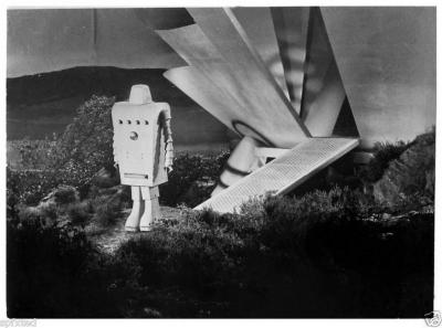 """Робот Чани. Лобби-карточка к фильму """"Дьявольская девушка с Марса"""" (Devil Girl from Mars, 1954)"""