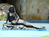 Русалка-бразильянка. Скульптура в Beach Park около Форталезы