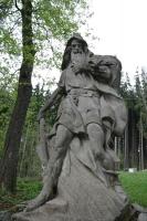 Дед Крконош. Статуя в Марианске-Лазне, у подножия Славковского леса