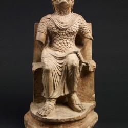 Скульптурное изображение сокологолового бога Гора