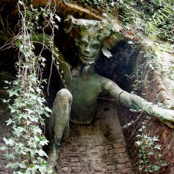 Спригган. Скульптура Мэрилин Коллинз