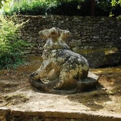 Цербер. Статуя Священного леса
