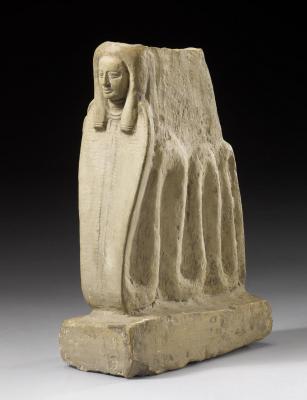 Скульптурное изображение богини Меритсегер