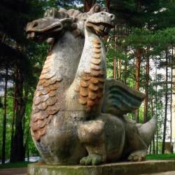 Уручский цмок (дракон). Уличная скульптура.
