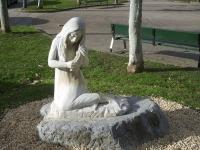 Статуя Лами из баскской мифологии, установленная в Мондрагоне, в провинцию Гипускоа, Страна Басков, Испания
