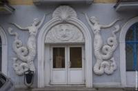 Русалки-мелюзины. Украшение дома в Минске