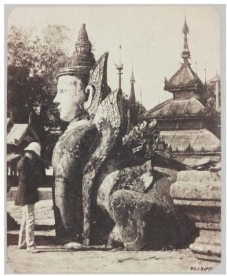 Пурушамрига-манутиха. Страж пагоды Шведагон (Янгон, Бирма-Мьянма). Фото 1852 года